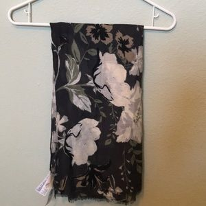 NWT Old Navy Floral Scarf